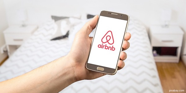 airbnb landlord tips