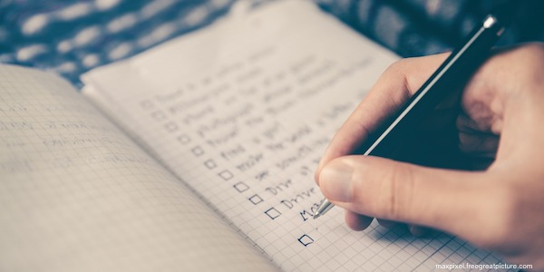 creating checklist for selling own home