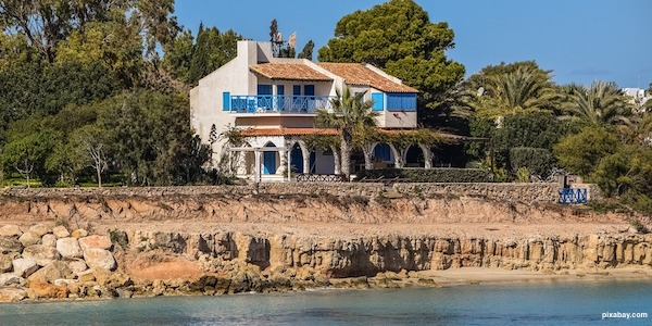 house by sea